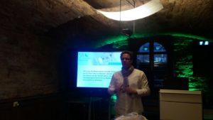Thomas Wunderberg bei seinem Vortrag im Gewölbekeller der Kanzlei Buser. Ein besonderes Ambiente!